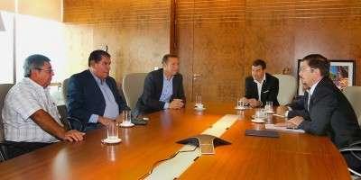 Gutiérrez intensifica las gestiones para preservar las fuentes de trabajo en el sector petrolero