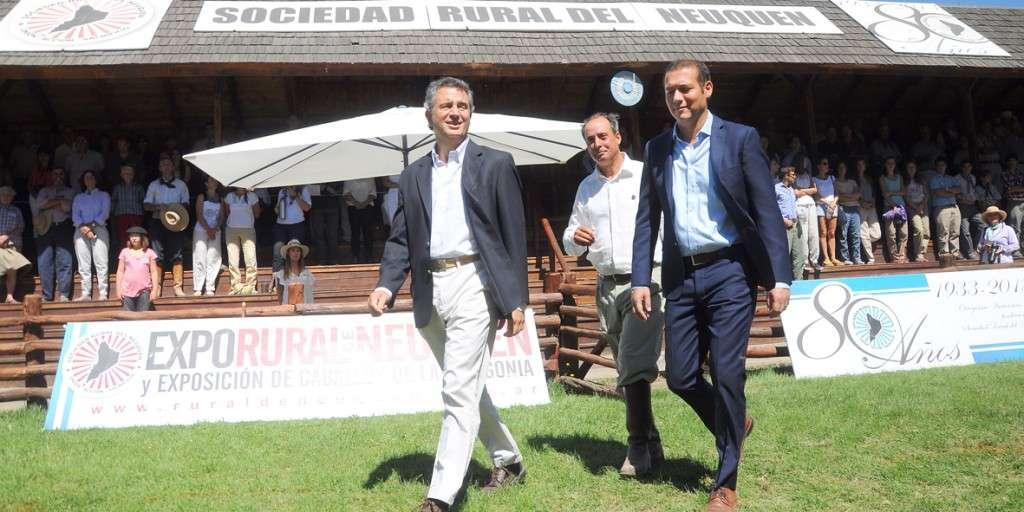Neuquen... Junin de los Andes 31.01.2016... El gobernador Omar Gutiérrez visita la exposición rural.