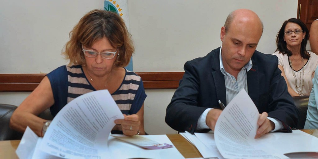 Ministra de educacion Cristina Storioni firmo convenios con Copade Deporte y Cultura