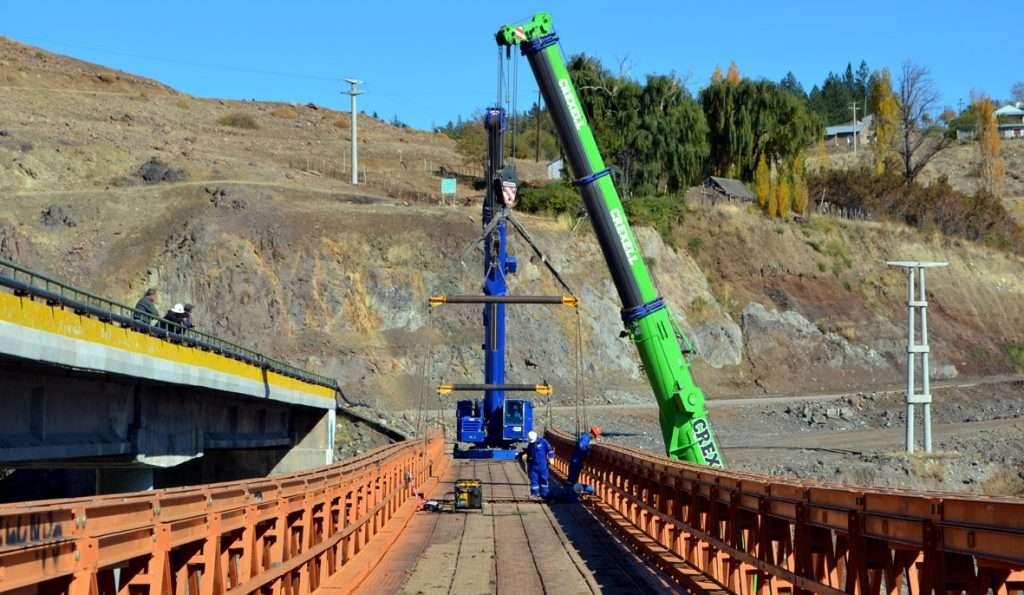 Demontan puente Bailey en Andacollo (2)