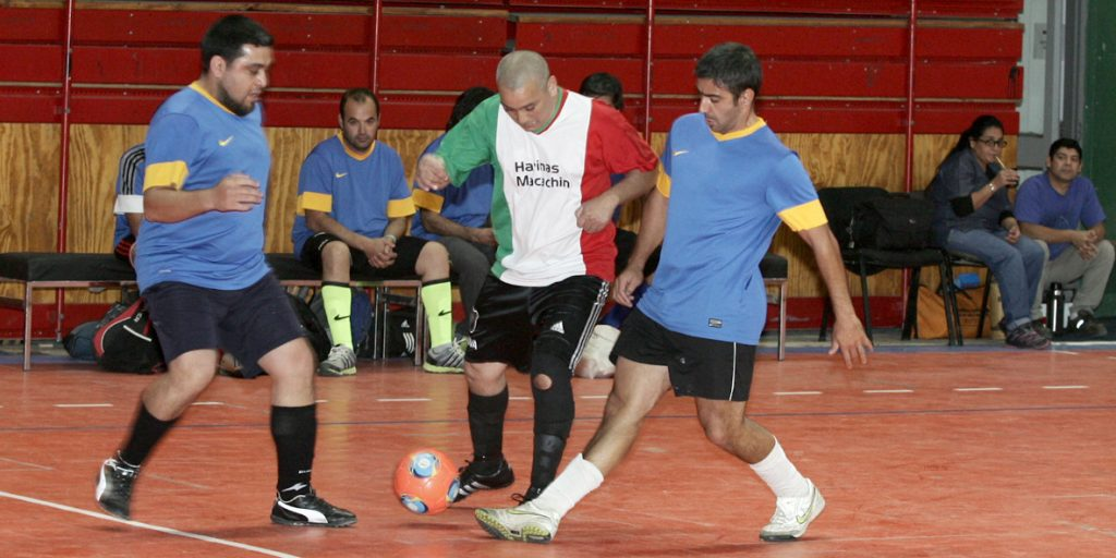 Torneo de fútbol para empleados estatales en el Ruca Che.