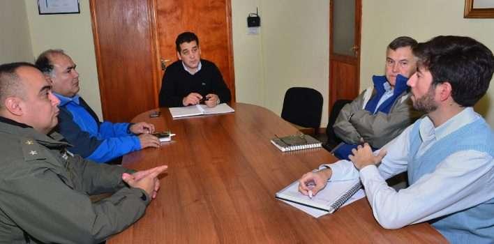 Defensa Civil y Vialidad abordan medidas preventivas en el acceso al Rahue