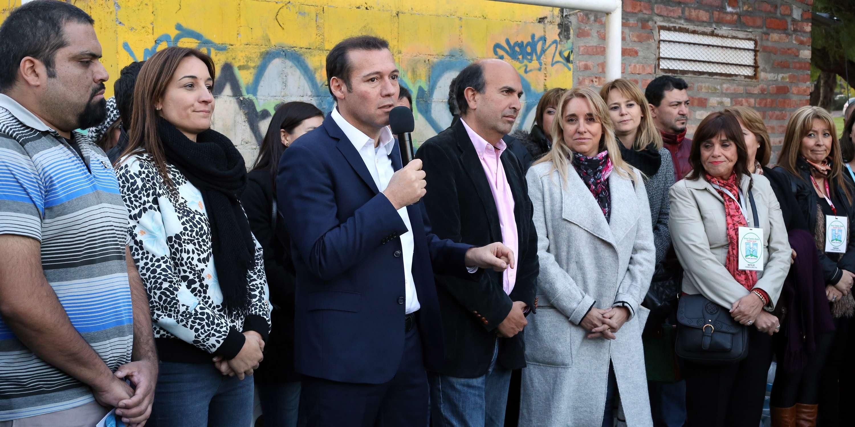 Inauguraci n nueva sede vecinal rea centro este neuqu n for Viveros en neuquen