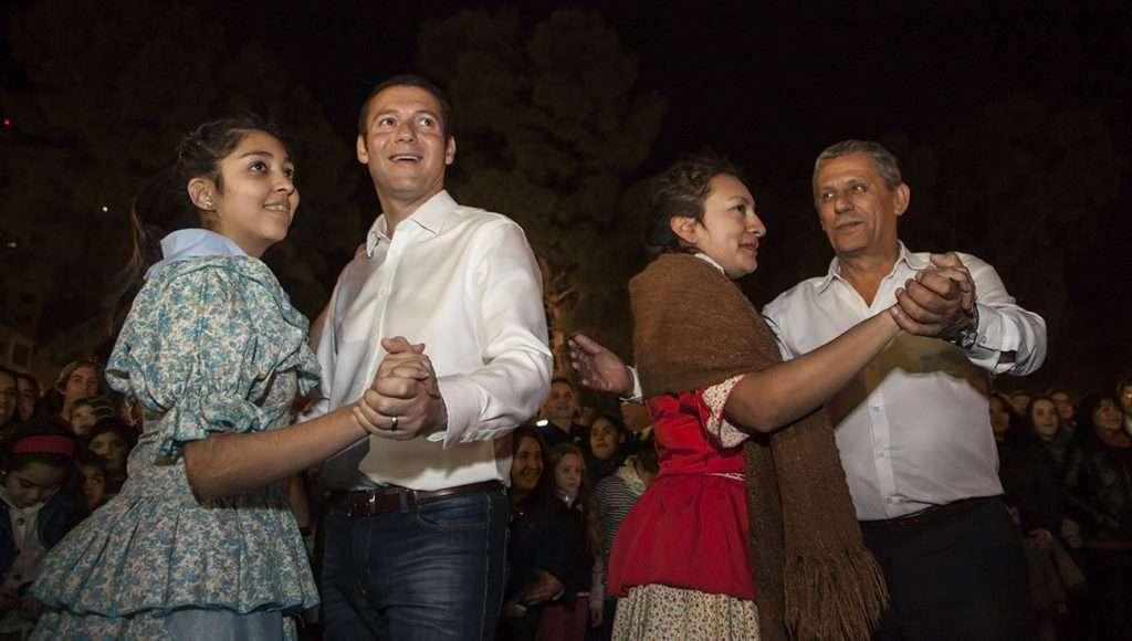 Gutiérrez estuvo presente en los festejos en el Ruca Che, en el Cine Teatro Español y en el monumento a San Martín.