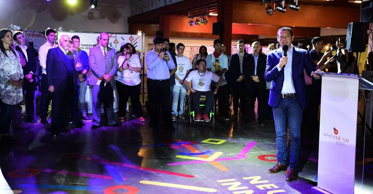 El gobernador dejó inaugurada la muestra Neuquén Innova
