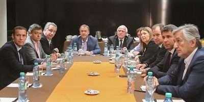 Gutiérrez junto a gobernadores analizan el impuesto a las ganancias