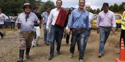 El gobernador participó de la apertura de la fiesta regional del asado con cuero