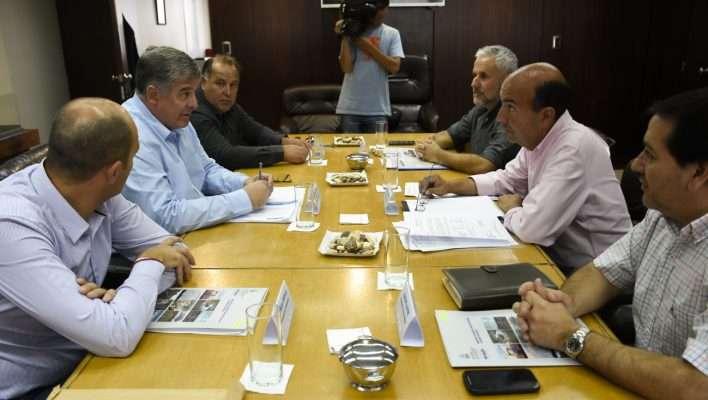 Nicola se reunió con autoridades municipales de la Confluencia para analizar la situación de los ríos