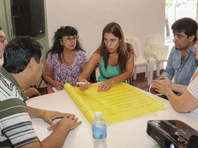 Elaboran plan ambiental turístico-recreativo de la península del lago en Picún Leufú