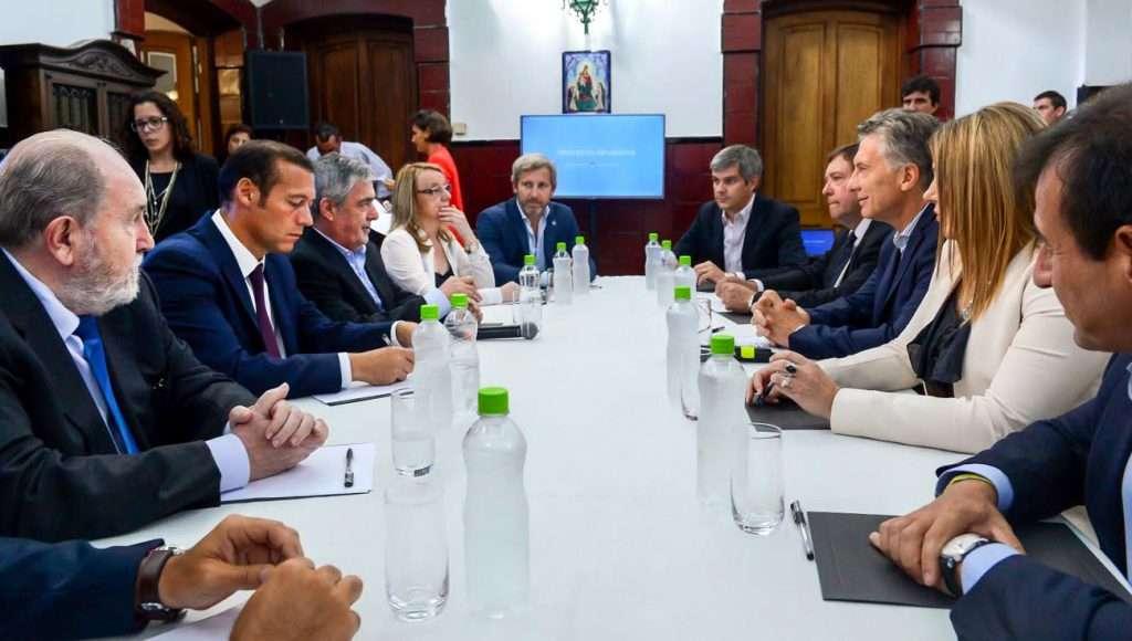 Resultado de imagen de Presidente y los mandatarios de las provincias patagónicas