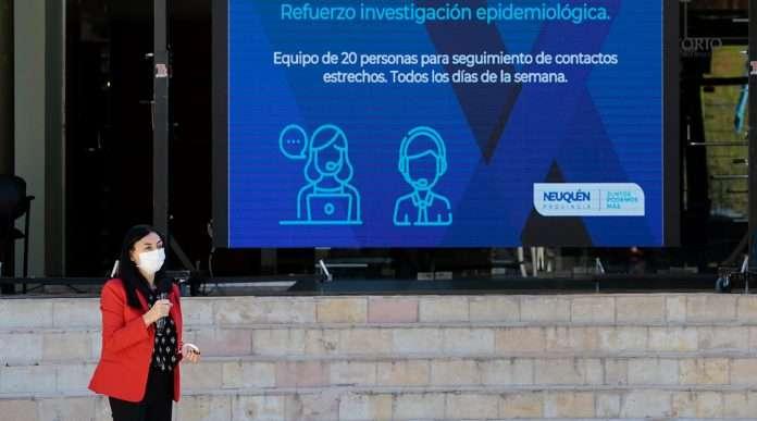 WEB-conferencia-de-Prensa-Salud-_MG_4832-696x387