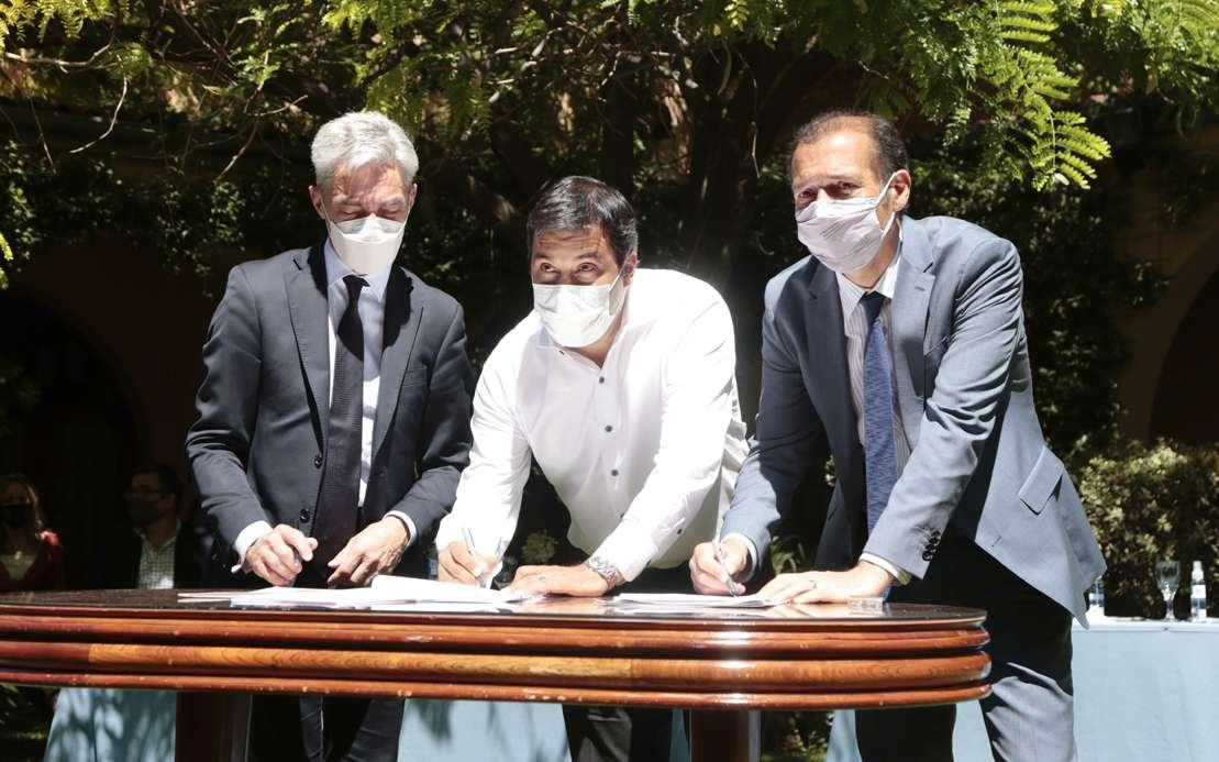 Gutiérrez y Meoni firmaron convenios para el desarrollo de terminales en la provincia